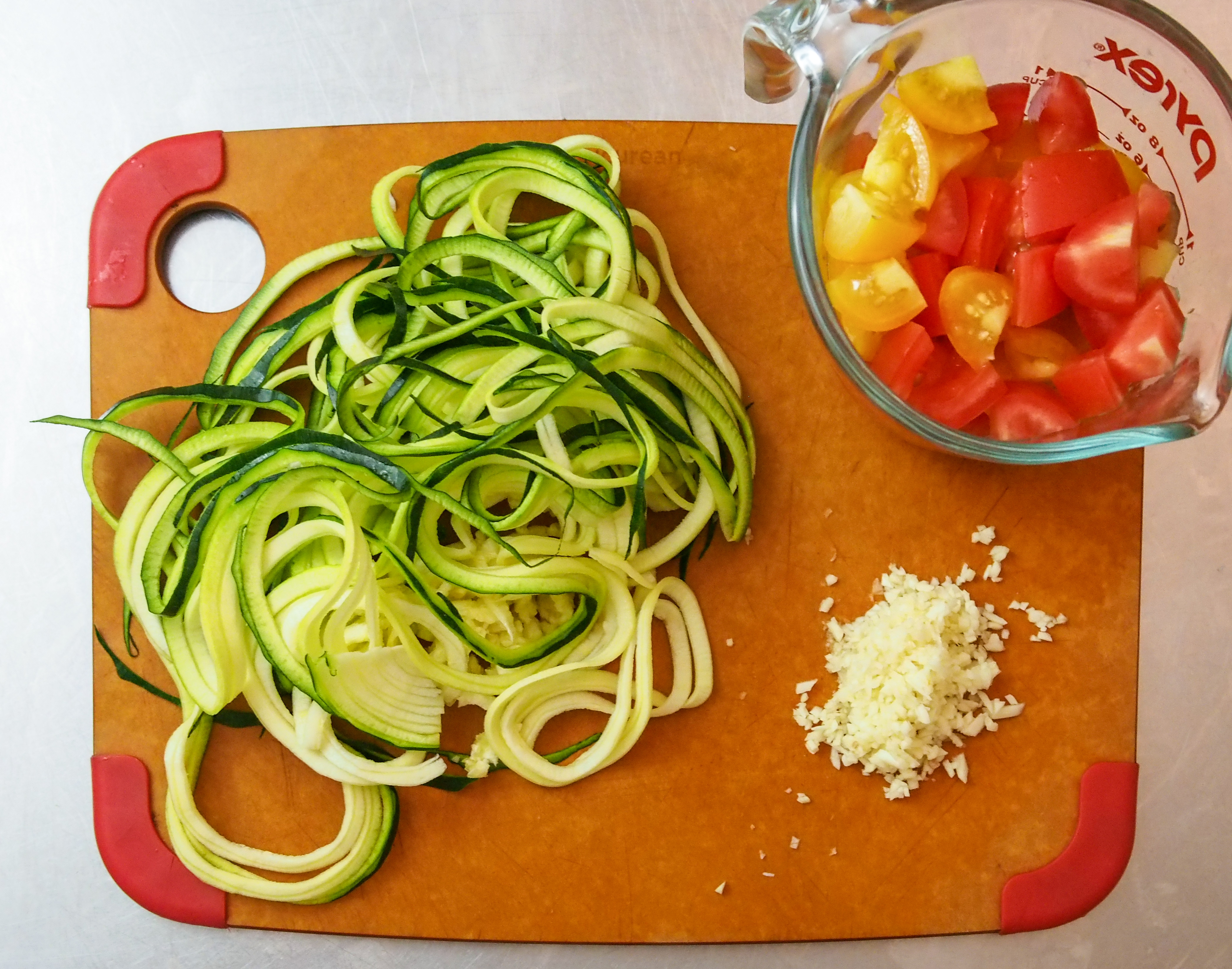 garlicky zoodles-1
